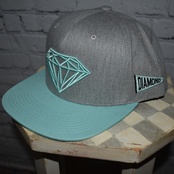 59e07d5987c Other - Authentic Diamond Supply Snapback Hat